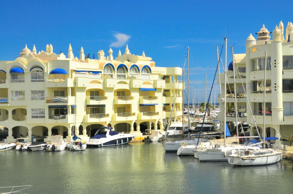 Apartment In Puerto Marina Benalmadena Cheap Property
