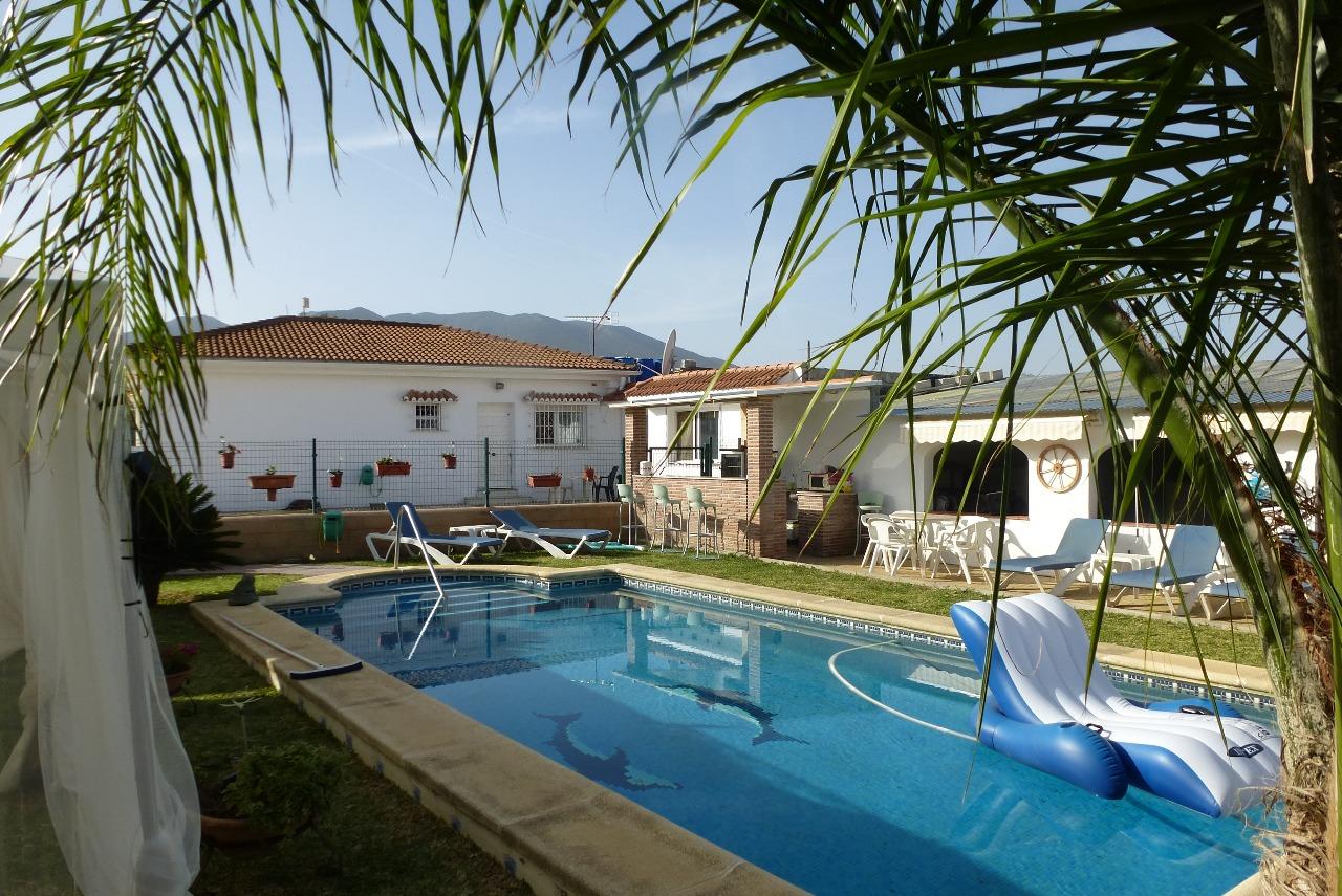 house-pool1